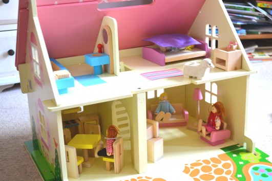 Blossom Cottage Doll's House