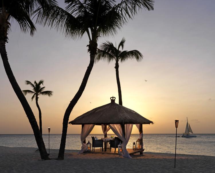 Bucuti Romantic Beach Dining