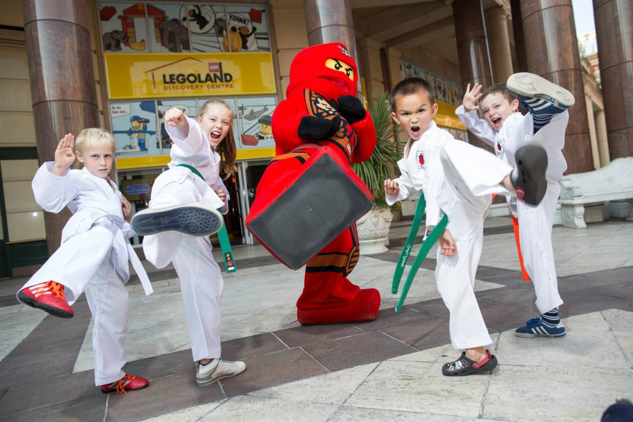 sale-dojo-and-kai-launching-the-ninjago-event-at-legoland-discovery-centre-manchester