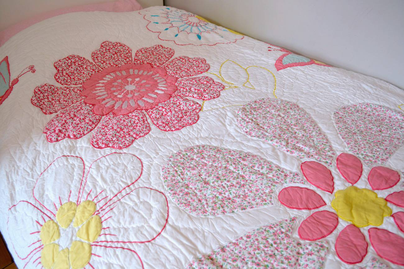ollie and leila daisy applique floral quilt